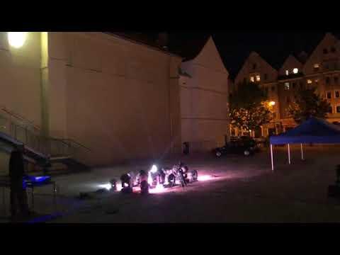 Wideo: Światło do nieba dla personelu medycznego