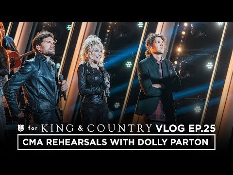 CMA Awards Rehearsal with DOLLY PARTON!