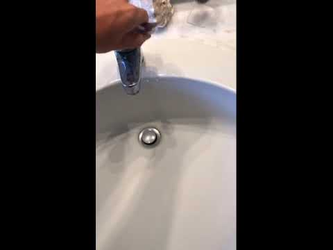 Video moglie fa un regalo al suo sesso marito