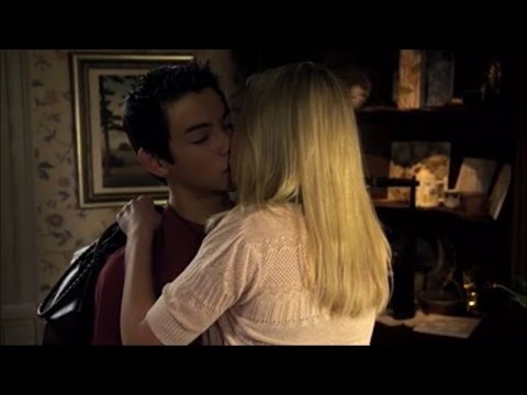 Supah Ninjas - Mike & Amanda: The Kiss
