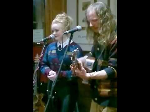 Gotye Acoustic Cover of( Somebody i used to know) by Charlie-Anne and Nick Felix