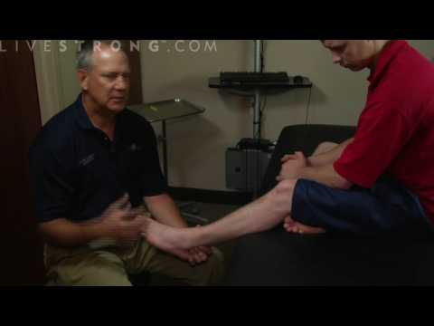 Video How to Treat a Sprained Ankle