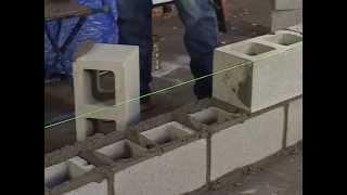 Стены из блоков. Начало кладки