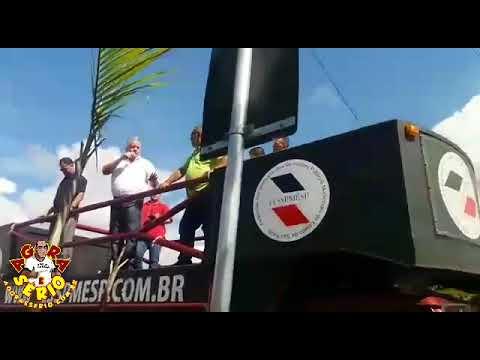 Prefeito Jorge Costa perde a linha com os Servidores Públicos em Manifestação