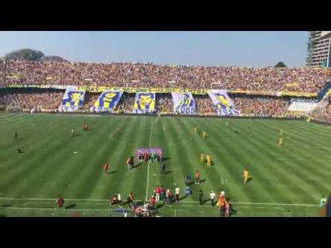 """""""Rosario central vs newells. Recibimiento dentro del estadio."""" Barra: Los Guerreros • Club: Rosario Central"""