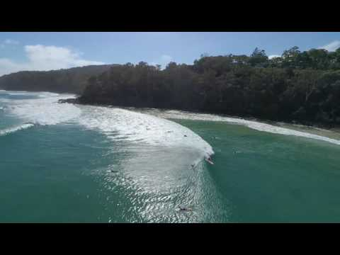 Noosa Drone Checks the Waves 23/11/16