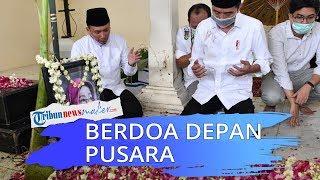 Presiden Jokowi Berdoa di Depan Pusara Sang Ibunda Tercinta