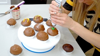 Super Bowl Cupcakes - Reese