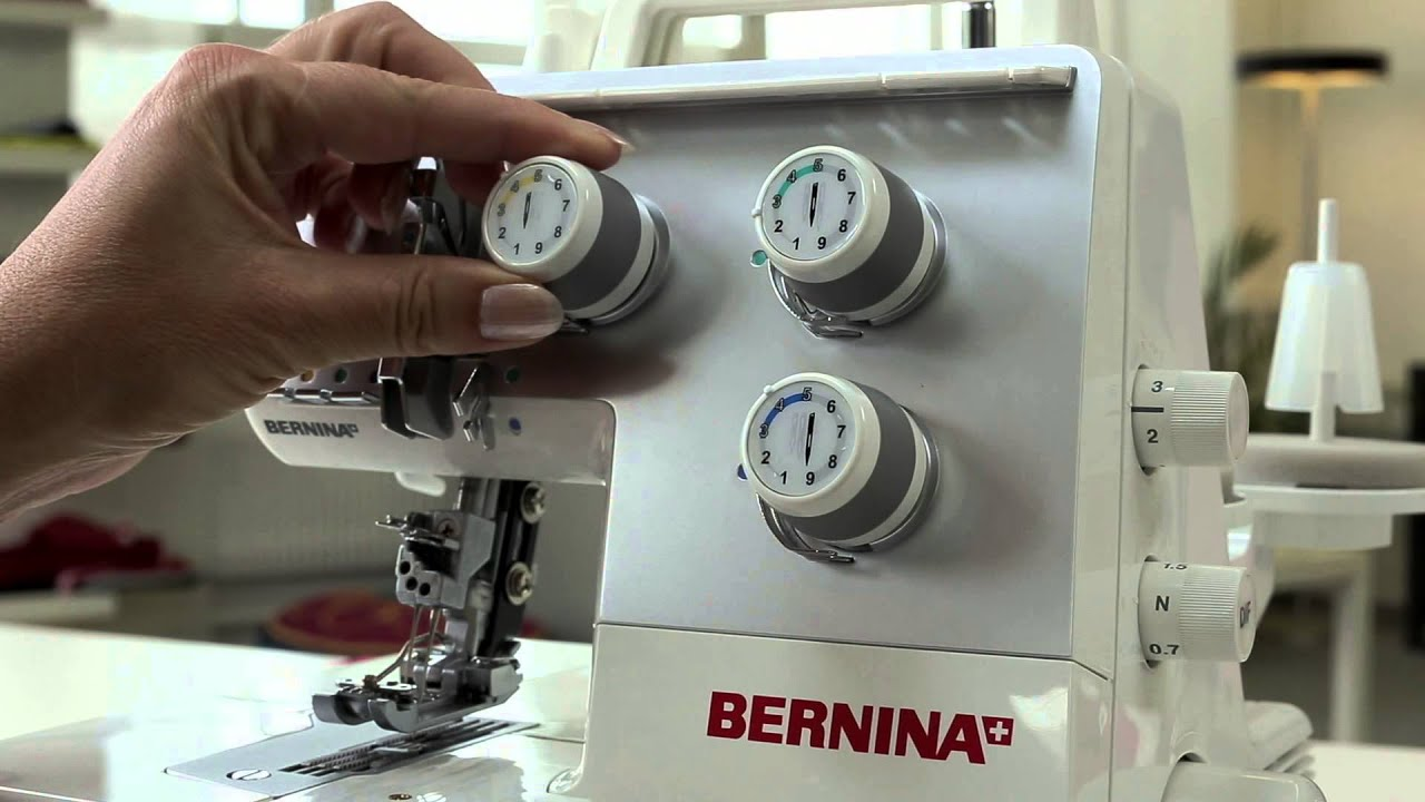 BERNINA overlocker/serger L 220: first steps, stitching preparation