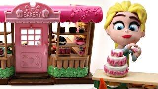 ELSA BAKES A CAKE *** FROZEN BAKERY-Playdoh Stop Motion video.