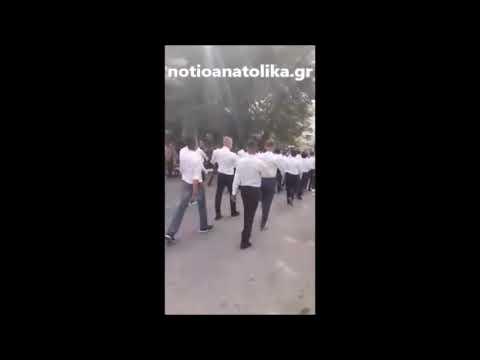Τραγούδησαν στην παρέλαση «Μακεδονία Ξακουστή» και αποβλήθηκαν — Σάλος στο 1ο Λύκειο Γέρακα (βίντεο)