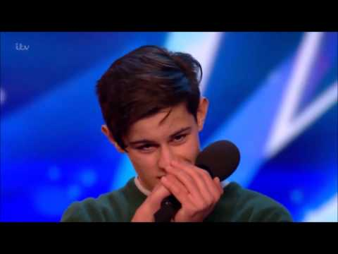 Reuben Grey Performs a Beautiful Original Song For Judges