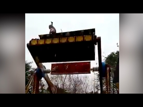 14-year-old Girl Thrown Off Ride At Amusement Park In Chongqing