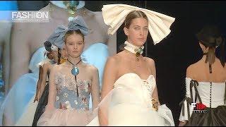 a40eddea11f8f TRIUMPH x Sì WHITE CARPET by SposaItalia Collezioni Highlights 2019 - Fashion  Channel