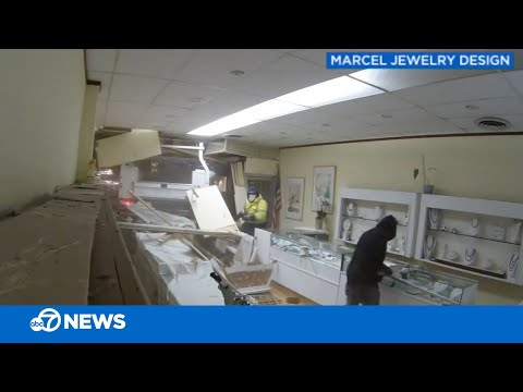 Truck slams through jewelry store during robbery