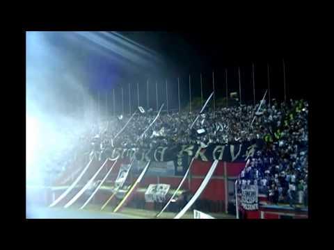 """""""LBB En el Zamora vs. Atlético Mineiro COPA LIBERTADORES 2014."""" Barra: La Burra Brava • Club: Zamora"""