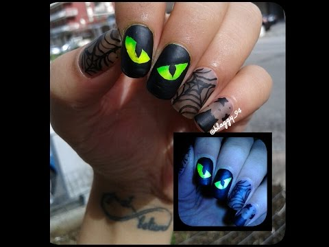 HALLOWEEN Nail Art - Cat Eyes With Spider Web.