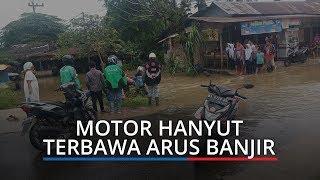 Nekat Terjang Banjir, Satu Motor Hanyut Terbawa Arus di Aia Pacah Kota Padang