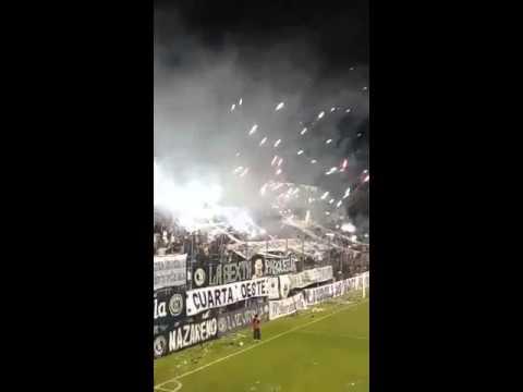 """""""Fiesta Leprosa ante ESTUDIANTES SL - INDEpENDIENTE RIVADAVIA"""" Barra: Los Caudillos del Parque • Club: Independiente Rivadavia"""