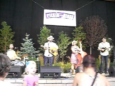 Honey Don't - Long Way From Home at Pickin' In the Pines 2011