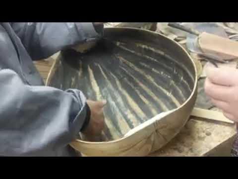 ورشة صناعة العود في قسم الموسيقى
