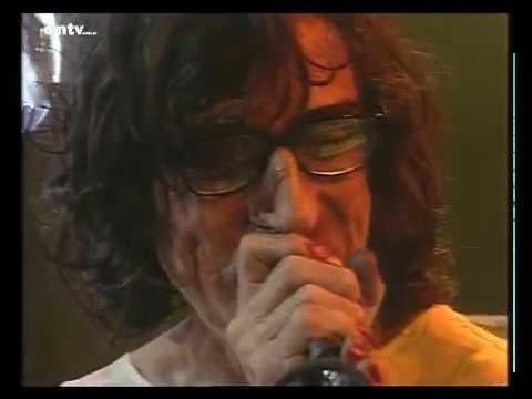 Charly García video No voy en tren - CM Vivo agosto 2002