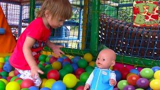 Baby Born Doll | Кукла Беби Борн и Арина на Детской Площадке Прыгаем на батуте Потеряли Куклу