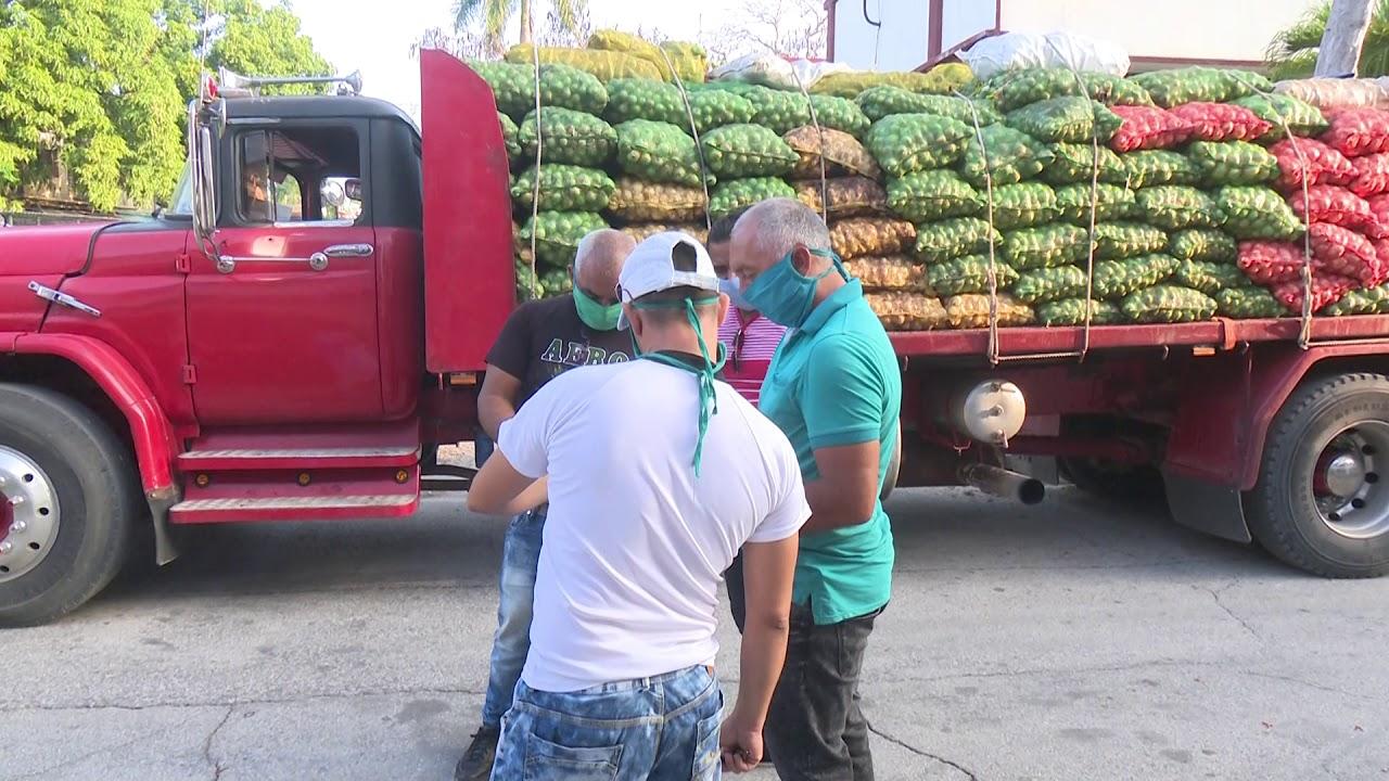 Empresa mixta de Santiago de Cuba hace donativo de productos alimenticios a centros de salud en Granma