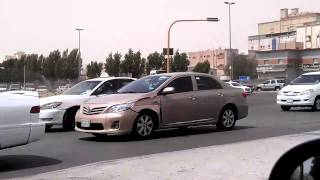 preview picture of video 'At a Jeddah Traffic Signal'