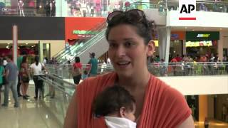 Moms in breastfeeding protest over nursing ban at shopping centre