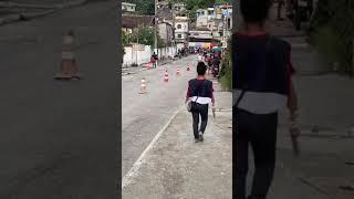 """Condutores são flagrados fazendo """"racha"""" em comunidade de São Gonçalo"""