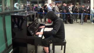 Long Queue Leads To New Orleans Piano Frenzy