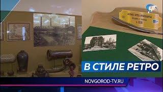 Новгородцы могут написать новогодние поздравления родным и друзьям на открытках старого образца