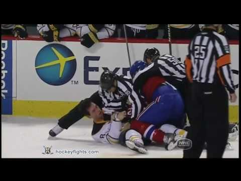 Cody McCormick vs Travis Moen