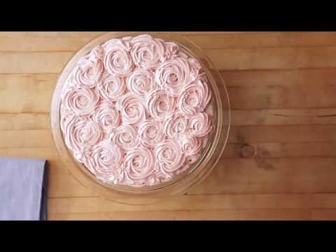 Kakun koristeleminen pursottamalla