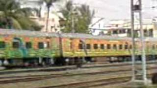 preview picture of video '12284 Nizamuddin-Ernakulam Duronto'