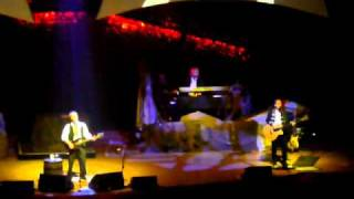 """Moonfleet Bay"" by Chris de Burgh and band Symphony Hall Birmingham 16-4-2011 .MOV"