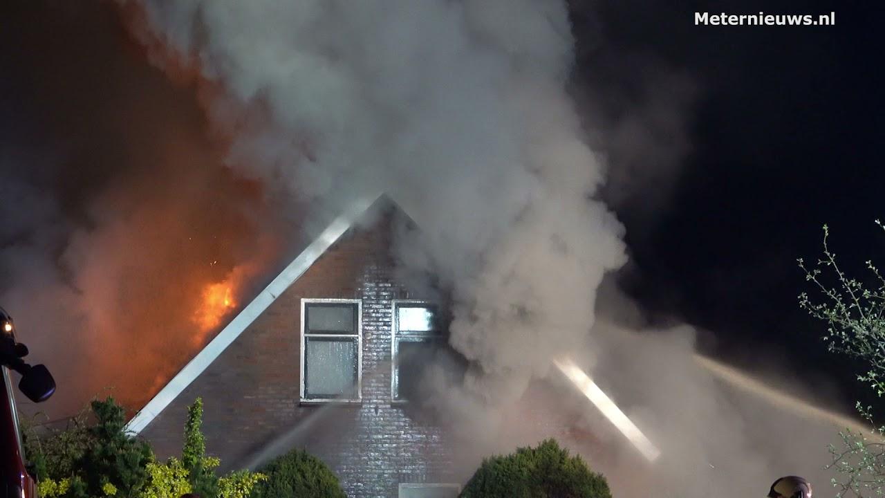 Grote brand woonboerderij geblust in Drentse Huis ter Heide