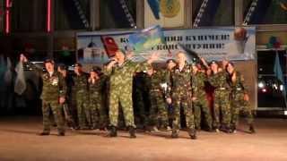 preview picture of video 'День Конституции. Степногорск. Праздник на площади.'