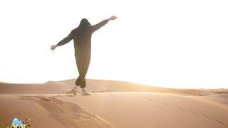 Смотреть онлайн Катание на верблюдах в Марокко (Сахара)