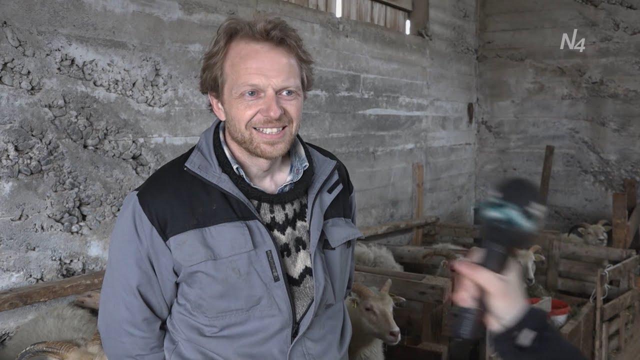 Eitt og annað af bændumThumbnail not found