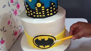 BATMAN CAKE SIMPLE DESIGN WITH MARSHMALLOW FONDANT DETAILS WITH BOILED ICING FROSTING | Chochon Cake