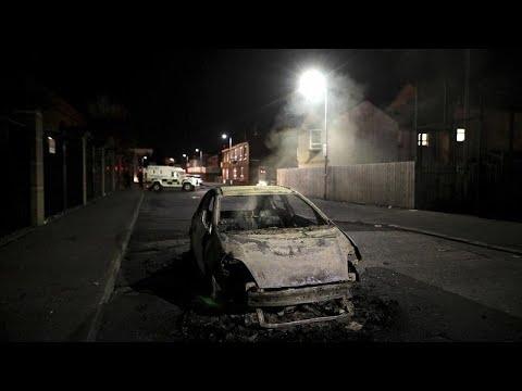 Β. Ιρλανδία: Συνεχίζονται οι ταραχές