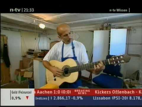 Gitarrenbauer Christian Stoll baut eine Gitarre - Christian Stoll builds a handmade guitar