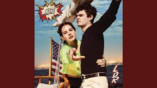 Musik-Video-Miniaturansicht zu The Next Best American Record Songtext von Lana Del Rey