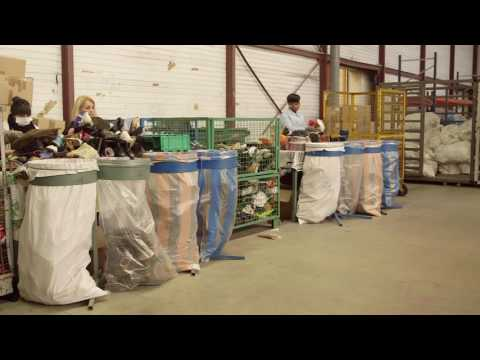 Le recyclage de vos vêtements ! Visitez le Relais Val de Seine !