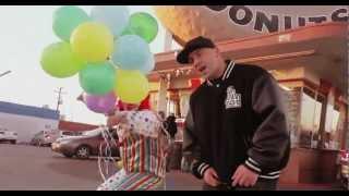 "2 Chainz & Kanye West ""Birthday Song"" - Jon Moore PARODY"