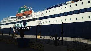 preview picture of video 'Incidente práctico y Nissos Chios - Puerto de Ceuta / Accident ships / περιστατικό'