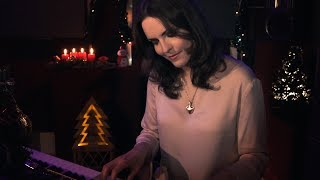 Christmas time is here - Daniela Andrade/Charlie Brown cover by MoonSun