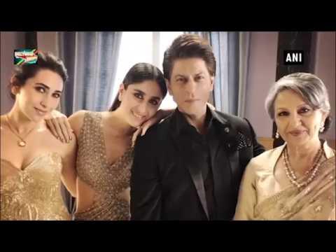 SRK Poses With 'Elegant Ladies' Kareena, Karisma & Sharmila Tagore